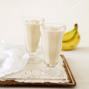 yummy-banana-peanut-butter-smoothie-recipe